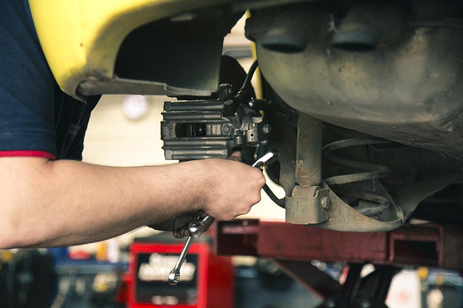 mantenimiento frenos repara tu vehiculo alquiler boxes