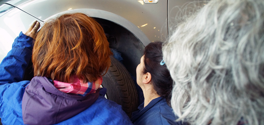 Nuevo curso de mecánica para mujeres en Durango